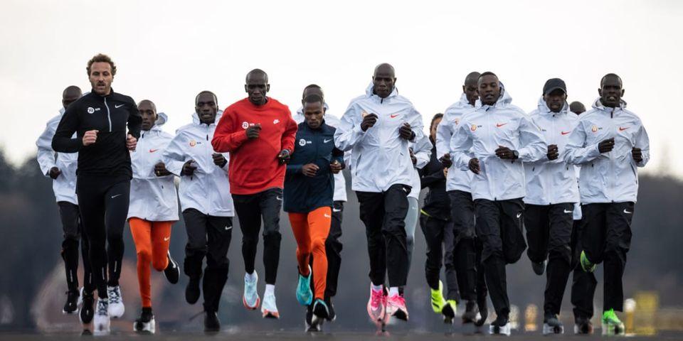 Maratonistas sudamericanos, junto a Eliud Kipchoge este domingo en Holanda 1